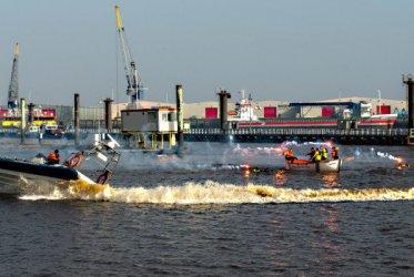 Inzetbaar bij grote evenementen op het water - Waddenribtochten -  Schipper Rob Ubels